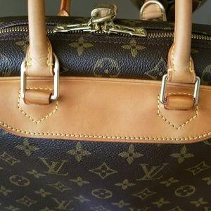 Louis Vuitton Bags - Authentic Louis Vuitton Deauville